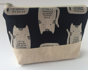 Black Cats Linen Make Up Zipper Pouch