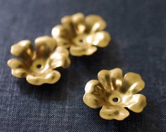 Vintage 28mm Cupped Five Petal Flowers - Raw Brass - Rare - 3pcs - Gold Flower Bead Cap - Brass Flower Stamping - Large Brass Flower