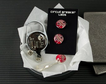 Circuit Board Gift Set, Retractable Badge Holder, Cufflinks, Tie Bar, Geeky Office Professional Engineer Gift, Nerdy Computer Engineer