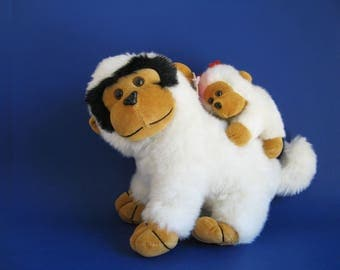 Vintage Monkey mom and Baby Stuffed Animal by Sugar Loaf 1990s Toy 1994 Gorilla Ape White Carry Baby Plush