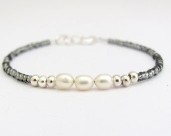 Black Diamond Seed Bead Bracelet, White Pearl Friendship Bracelet, Yoga Zen Jewelry, Stack Layer Dainty Modern, Minimal Pearl Bracelet