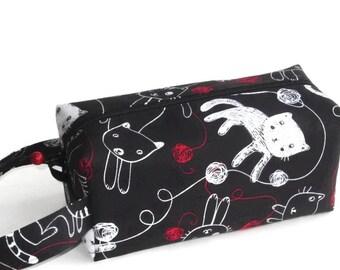 Boxy Bag Knitting Project Bag - Kitties and Yarn on black