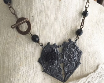 Tableau Noir Victorian Goth Broken Heart Necklace Womens Jewelry