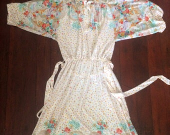 Womens 1970's boho vintage dress. Size M