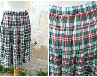 Vintage 1970/1980  plaid   pleated middle lenght skirt size S/ M