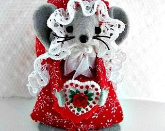 Valentine Gift, Valentine Mouse Gift, Valentine Miniature, Valentine Mom Gift, Sweet Friend Valentine