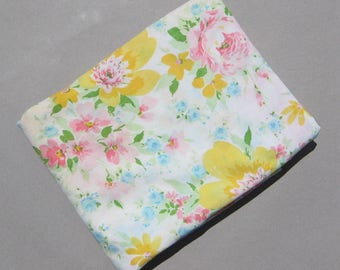 Double Flat Sheet Summer Large Scale Flowers 1980s Vintage Montgomery Ward Muslin Bedsheet Pink Roses & Big Yellow Flowers