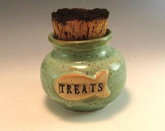 Kitty Treat Jar, Cat treat jar/ Kitty Cat treat fish jar/ 1 Cup Kitty Treat Jar