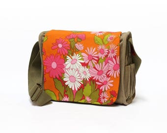 Hedy - Canvas Saddle Bag | retro Shoulder Bag | Vintage Fabric Upcycled Handbag by EllaOsix