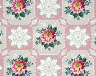 1940s Vintage Wallpaper by the Yard - Floral Vintage Wallpaper Pink Flowers and Doilies on Pink