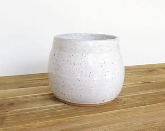Stoneware Kitchen Utensil Holder in Glossy White Glaze with Speckles