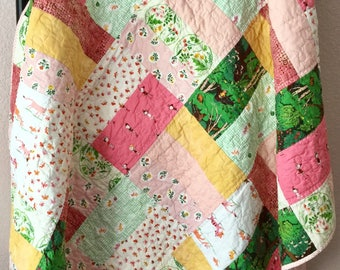 Handmade Lap Quilt, Quilted Bedding, Patchwork Quilt, Cats Quilt, Cotton Quilt, Throw Quilt, Bedroom Decor, Sofa Throw, Mother's Day Gift
