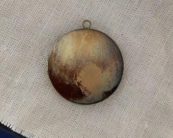 globe earth star round antique brass locket 32mm  (LD233)