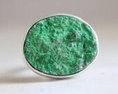 Uvarovite ring. Sterling silver ring with natural Uvarovite Garnet. Uvarovite Garnet ring, drusy green stone, Green Garnet, Statement ring.