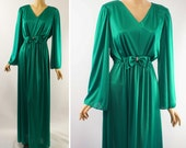 Vintage 1970s Formal Gown Emerald Green Jersey Party Evening Dress with Bell Sleeves Sz 12 B42
