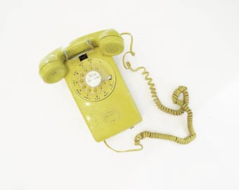 Bell System Wall Telephone // Yellow Retro 1960's Chord Phone // Vintage Home Decor