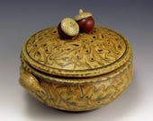 CASSEROLE Stoneware ceramic handmade Acorn-Topped Carved Oak Leaf Two Quart SHIPPING INCLUDED