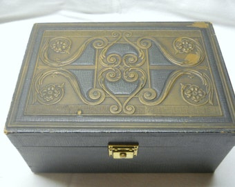 Antique Cigar Humidor Box - Embossed Cedar Lined Wood Box - 1930s Cigar Advertisement Display Box - Tobacco Smoke Shop - Art Deco Barware