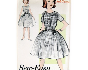 Vintage Sewing Pattern 1960s Full Skirt DRESS and Cropped Jacket / Rick Rack Trim / Lucy Dress / Advance 2906 / Size 10S / Uncut FF