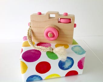 Wooden Toy Camera, Wood Camera, Toddler Toy, Handmade Toy, Baby Gift, Camera Prop, Pink