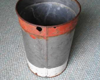 MAPLE SAP BUCKET, Rustic Galvanized Sap Bucket,Floral Container,Industrial Storage,Maple Cans,Industrial Display,Red White Chippy Paint Can