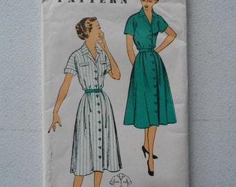 Vintage 50s Country Farm Front Button Shirtwaist Dress Pattern New York 1231 Size 14 Bust 32 UNCUT