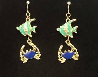 Gold Tone Rhinestone Fish And Crab Dangle Pierced Earrings
