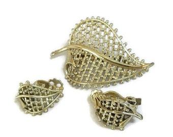 Vintage Gold Tone Open Work Metal Leaf Brooch and Earrings Set