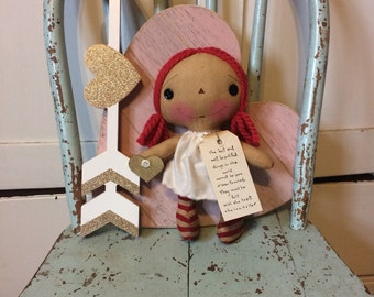 Raggedy Ann doll - Raggedy Annie - Raggdoll - Mother's Day gift - primitive doll - Gold heart -
