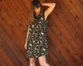extra 30% off sale . . . Black Floral Mini Shift Dress - Vintage 90s does 70s - M L