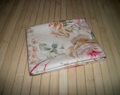 Country Rose print fabric. scant Fat Quarter - 18 x 20. Upcycled, prewashed, dressweight quality cotton.