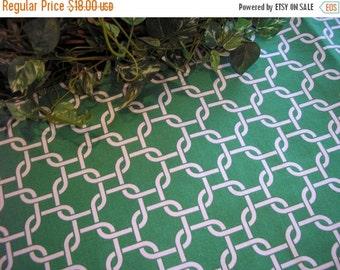 ON SALE Table Runner Chain Link Green Modern Padded