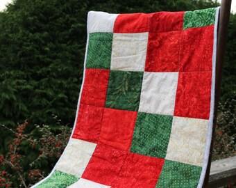 Patchwork Table Runner Holiday table decor Christmas Table Runner Quilted Table runner Red Green Cream Batik