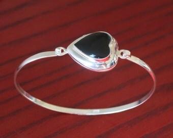 Heart locket Bracelet with onyx Silver  Holds 2 photos