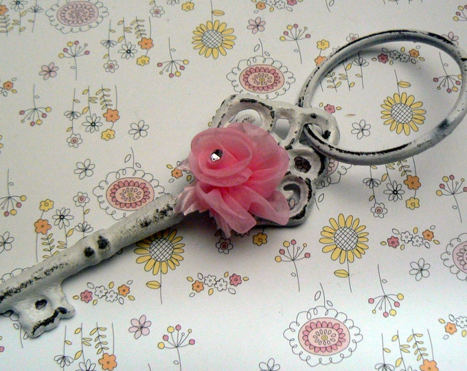 Skeleton Single Key on Ring Classic White Shabby Elegance Rustic Chippy French Decor Pink Ribbon Rose Accent Home Decor