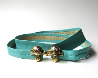 80s vintage Skinny Pale Teal Green Leather Cinch Belt with Gold Metal Double Mushroom Buckle / Boho Indie Hipster Hippie Festival Folk Belt