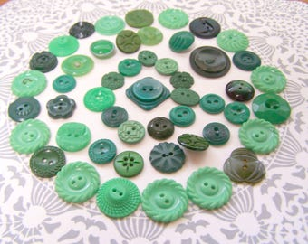 Vintage Buttons, Button lot, Green Buttons, Plastic buttons, Button supply