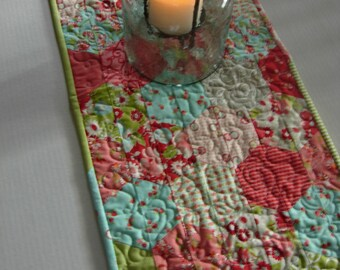 Scrumptious Hexagons Table Runner, Bonnie and Camille