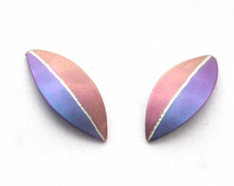Titanium earrings, 5 colours,absolutely no allergies,  straight leaf