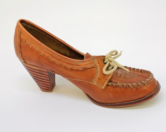 70's / 80's Moccasin Style Pump / Chunky Stacked Heel / Cuban Heel / Golden Brown / Size 6 Medium