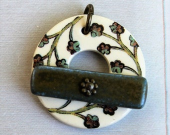 Small Flower Sprigs Clasp - Jewelry Clasp - Circle Ceramic Toggle Clasp