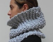 ON SALE THE Maple cowl / scarf infinity warm chunky knit / Grey / wool blend