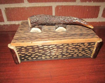 Vintage Wood Perfect Keepsake Box with Real Horn Handle and Trim Box