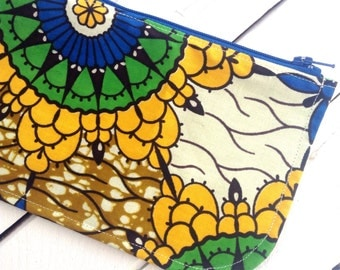 African pencil case. Pencil case African print. Pencil African print. Zippered pouch, make up,  Purse, cosmetic purse. Wax print