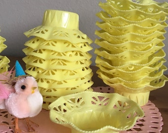4 Darling Vintage Sweet Yellow Party Favor Filigree Baskets Nut Cups