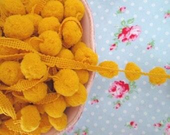 LARGE Pom Pom Trim - Lemony Yellow Dangling - 3/4 inch Ball Fringe - 1 Yard