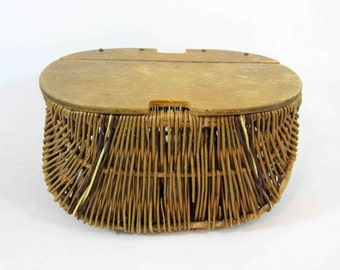 Vintage Wicker Fishing Creel with Hinged Lid. Circa 1950's - 1960's.