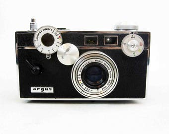 "Vintage Argus C3 35mm Camera  ""The Brick"". Circa 1930's - 1960's."