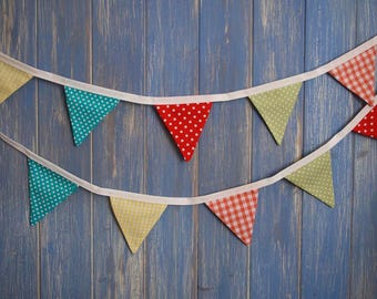 Tiny Bunting.  Kids Bunting // Cotton Bunting // spotty Bunting // Wedding Decor // Party Bunting // Handmade Bunting // Garland.