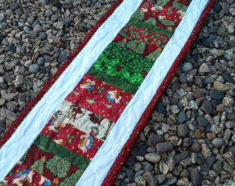 Christmas table runner, quilted Tablecloth, holiday décor, Christmas table cloth, buffet, patchwork quilt, hostess gift, Quiltsy Handmade